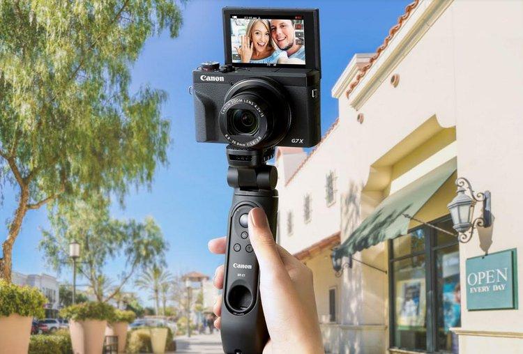 Grip Tripod i mikrofon DM-E100. Nowe akcesoria Canona dla vlogerów -