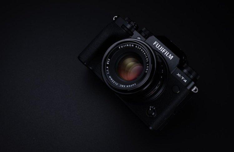 Fujifilm X-T4 – tryb filmowy Full HD 240 kl./s, stabilizacja 6,5 EV. To będzie hit! -