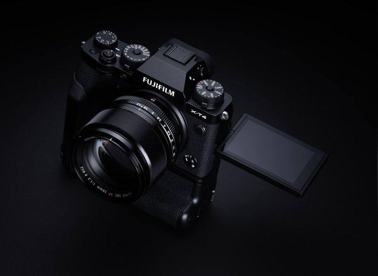 Fujifilm X-T3 czy Fujifilm X-T4: porównanie aparatów. Który wybrać? -