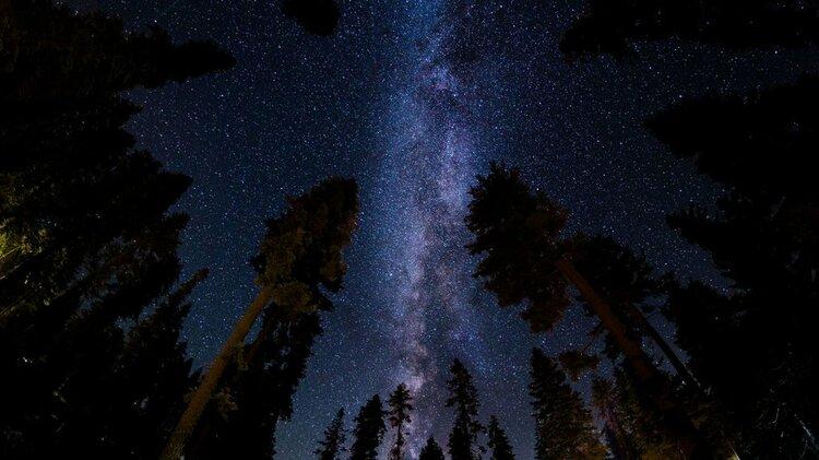 Jak fotografować nocne niebo? Podstawy astrofotografii -