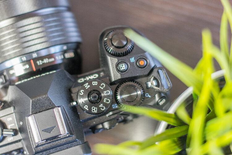 Olympus sprzedany. Co dalej z aparatami? -
