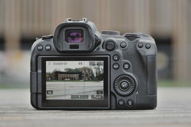 Canon z programem naprawy pogwarancyjnej -